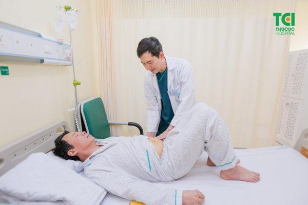 Mách bạn chăm sóc bệnh nhân sau mổ sỏi niệu quản