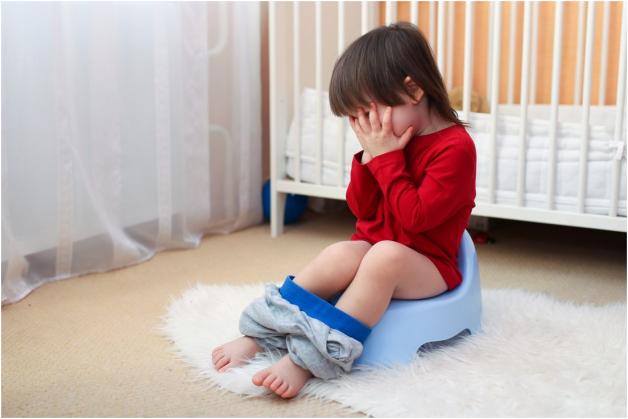 Có nhiều nguyên nhân khiến trẻ bị sốt và tiêu chảy
