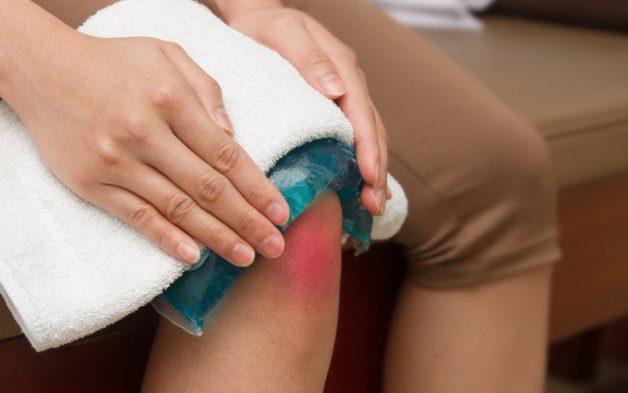 Xuất hiện triệu chứng viêm khớp gối cần làm gì?