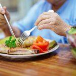 Gợi ý chế độ ăn cho người điều trị ung thư vú