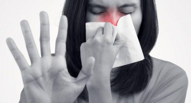 """Vì sao câu hỏi """"Viêm họng mãn tính có chữa được không"""" phổ biến?"""