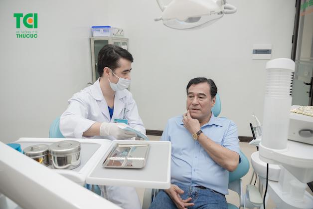 NSND Mạnh Cường lựa chọn Bệnh viện ĐKQT Thu Cúc là địa chỉ kiểm tra sức khoẻ răng miệng định kỳ.