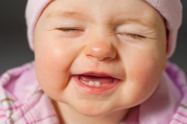 Răng sữa là những chiếc răng xuất hiện đầu tiên, đóng vai trò vô cùng quan trọng trong giai đoạn đầu đời của bé.