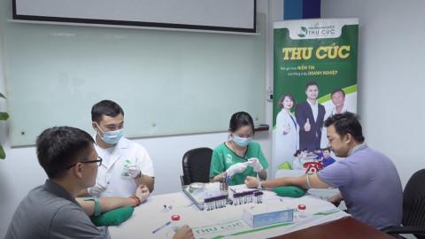 Lấy mẫu tận nơi – Đi khám thảnh thơi cùng nhân viên của Công ty Việt Vương