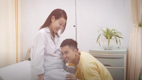 Gia đình diễn viên Mạnh Quân đón em bé thứ 2 nặng 4kg