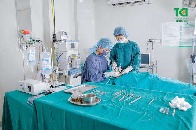 Phẫu thuật hàm chính là một loại phẫu thuật chỉnh hình, giúp điều chỉnh sự bất thường của khung xương hàm, cũng như răng, nhằm cải thiện cách hoạt động của chúng.