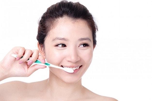 Niềng răng sớm iúp trẻ vệ sinh răng miệng dễ dàng, ngăn ngừa các bệnh lý răng miệng.