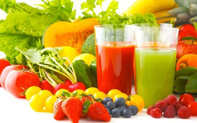 Đứng đầu thực đơn sau khi mổ u vú nên ăn gì là các loại rau xanh, trái cây tươi.