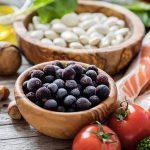 Thiếu máu não gây chóng mặt nên và không nên ăn gì?