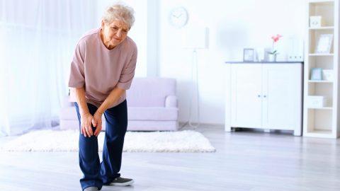 Thoái hóa khớp ở người già và 5 lời khuyên quan trọng