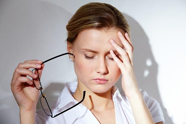 Thường xuyên đau nửa đầu trái có thể khiến người bệnh bị suy giảm trí nhớ, trầm cảm