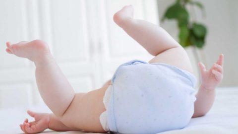 Nguyên nhân và cách điều trị khi trẻ bị ngứa lòng bàn chân