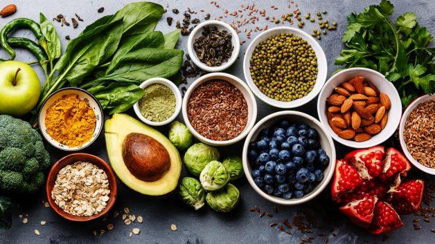 Bệnh nhân viêm khớp gối nên ăn gì để hỗ trợ điều trị?