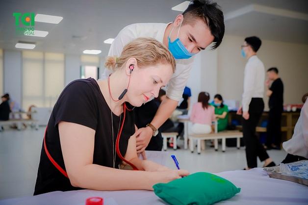 Vì sao người nước ngoài tại Việt Nam cần chú trọng chọn nơi khám sức khỏe?