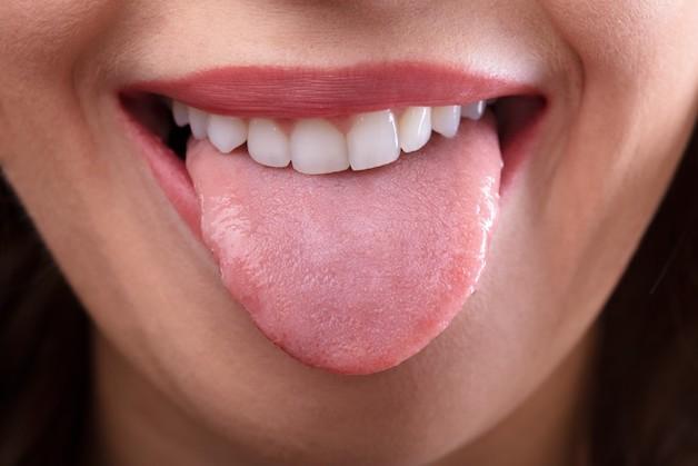 Nhú lưỡi là các tổ chức nằm trên khắp bề mặt lưỡi, giúp bạn cảm nhận được các hương vị chua, cay, mặn, ngọt.
