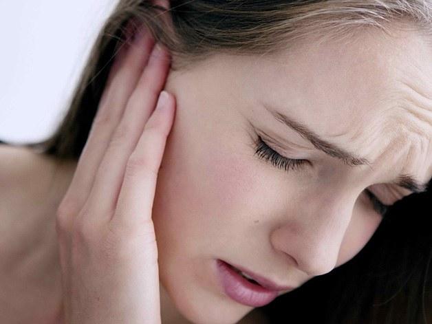 Ù tai đau nửa đầu là dấu hiệu của nhiều bệnh lý nguy hiểm
