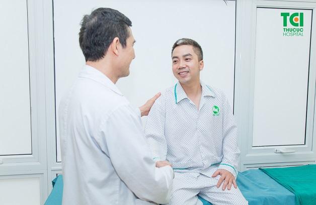 Bác sĩ chữa sỏi thận giỏi cần ân cần, tận tâm với bệnh nhân