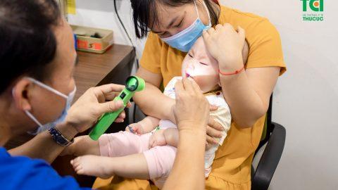Triệu chứng, điều trị khi bé bị viêm amidan
