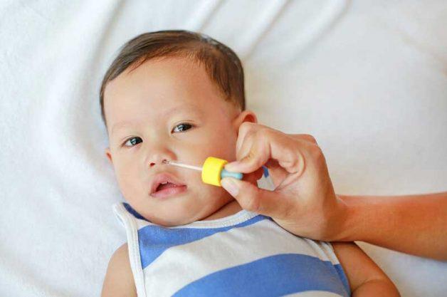 Cha mẹ làm gì khi bé nạo va xong vẫn bị sổ mũi?