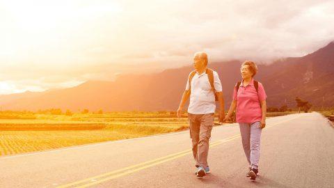 Bệnh nhân thoái hóa khớp gối có nên đi bộ không