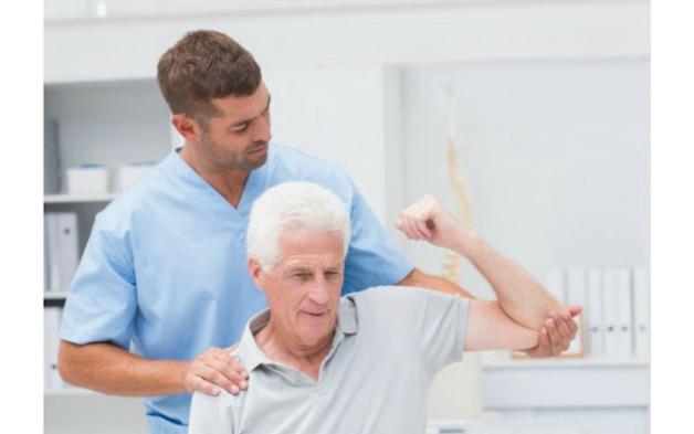 đau khớp khuỷu tay không duỗi thẳng được