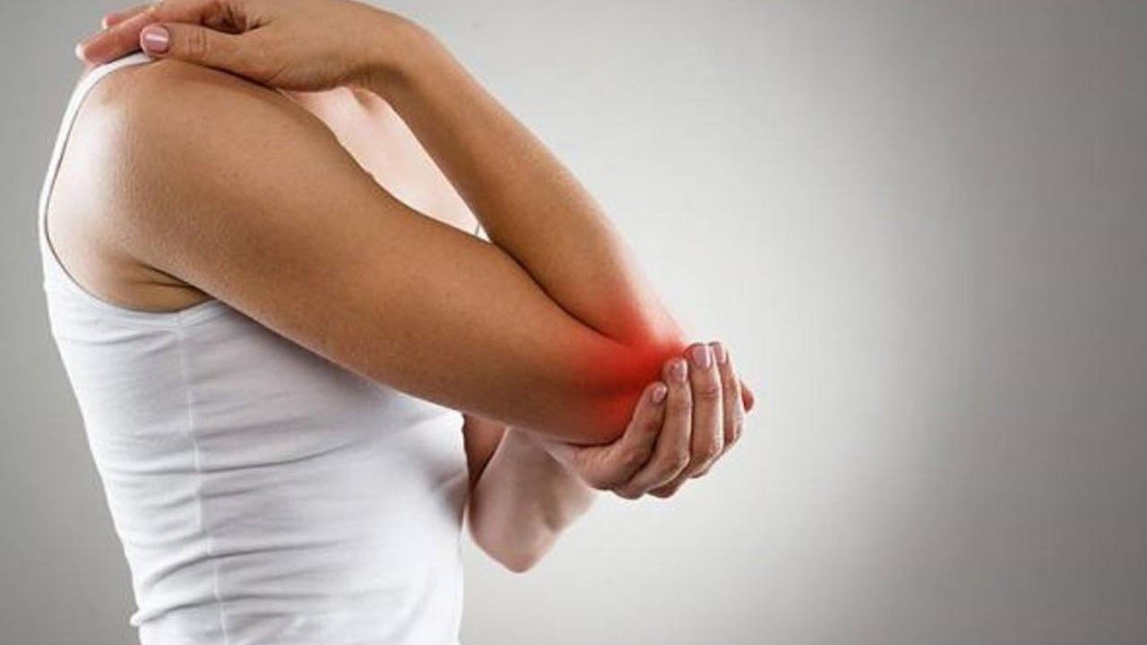 Đau khớp khuỷu tay do đâu và có biểu hiện gì?