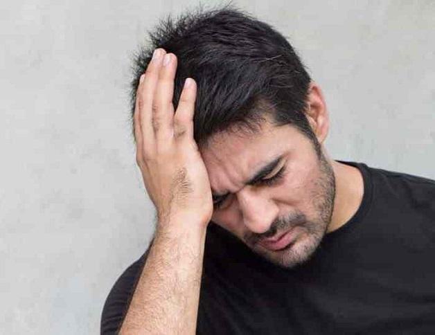 Đau đầu đau tai có thể là biểu hiện của quá trình lão hóa, do nghe nhạc quá lớn qua tai nghe hoặc đơn giản là do sự tồn tại của các cục ráy tai cứng trong tai nhưng cũng có thể cảnh báo những bệnh lý nguy hiểm.