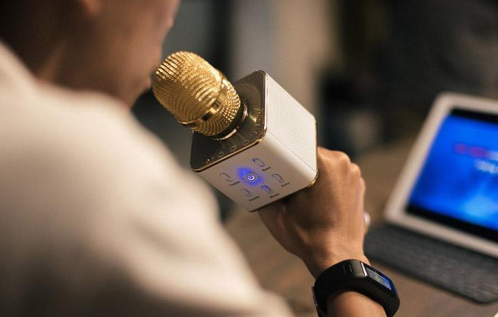 Sử dụng dụng cụ khuếch đại âm thanh giúp bạn hạn chế lạm dụng giọng nói quá mức