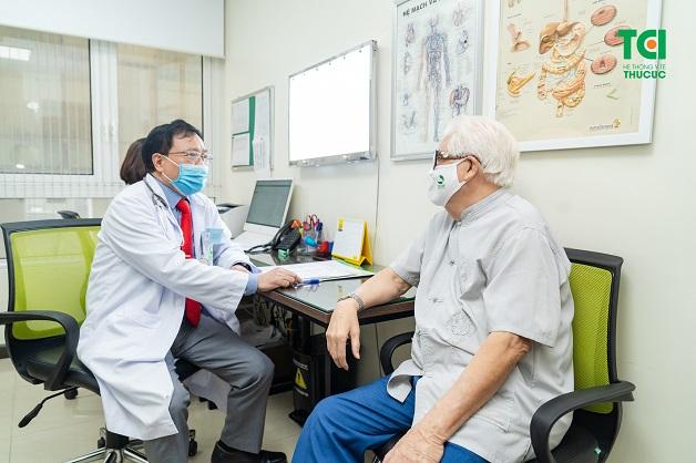 Khi thấy có biểu hiện tăng huyết áp, cần đi khám sớm tại các chuyên khoa tim mạch để được chẩn đoán và điều trị kịp thời.