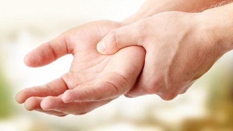 Bệnh Parkinson giai đoạn đầu có biểu hiện gì?