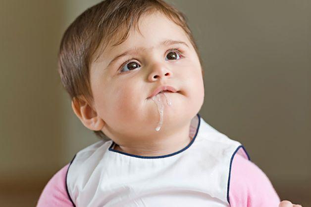 Trẻ bị trào ngược dạ dày là bệnh về đường tiêu hóa khá phổ biến, bệnh chủ yếu xảy ra ở trẻ nhỏ.