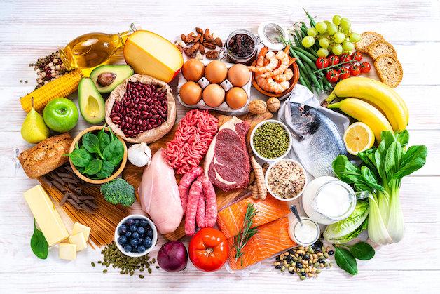 Cho trẻ ăn uống đủ chất, khoa học. Đặc biệt là ưu tiên việc ăn nhiều rau quả để bổ sung vitamin, tăng cường hệ miễn dịch, phòng ngừa viêm VA.
