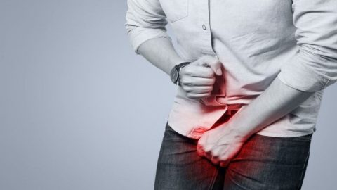 Triệu chứng và nguyên nhân của bệnh viêm rãnh bao quy đầu?
