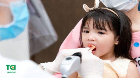 Triệu chứng và nguyên nhân viêm thanh quản ở trẻ nhỏ?