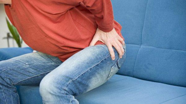 Khi chuyển sang giai đoạn mãn tính, lúc này những cơn đau ở tinh hoàn và bìu có thể lan sang các bộ phận khác như vùng bụng dưới lẫn vùng háng