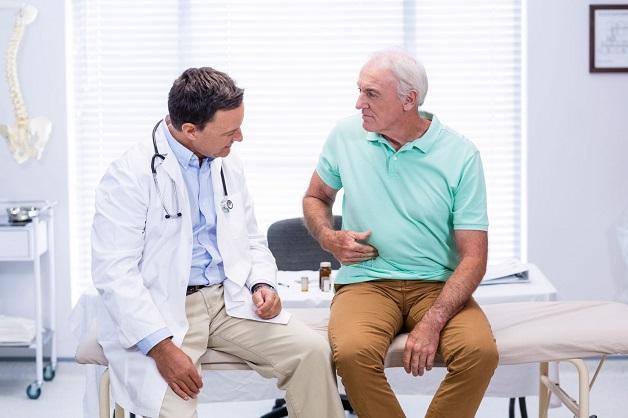 Người cao tuổi cần thăm khám ngay khi có dấu hiệu bệnh tiêu hóa