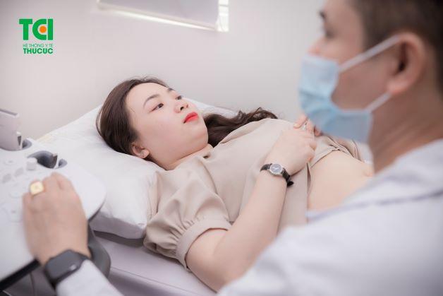 Khám thai tuần 12 là mốc quan trọng đối với tất cả phụ nữ khi mang thai. Lúc này, thai nhi đã có sự phát triển vượt trội, đặc biệt là hệ thần kinh, tim thai và các phản xạ