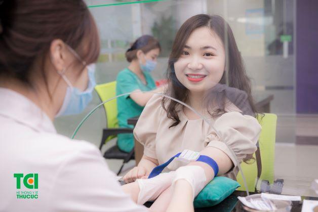Xét nghiệm máu không chỉ giúp phát hiện sớm các nguy cơ như: bệnh tiểu đường thai kỳ, viêm gan B, thiếu máu... mà còn giúp bác sĩ phát hiện ra nhiều bệnh truyền nhiễm khác.