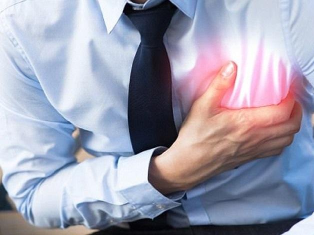 Đau thắt ngực là triệu chứng điển hình của bệnh mạch vành.
