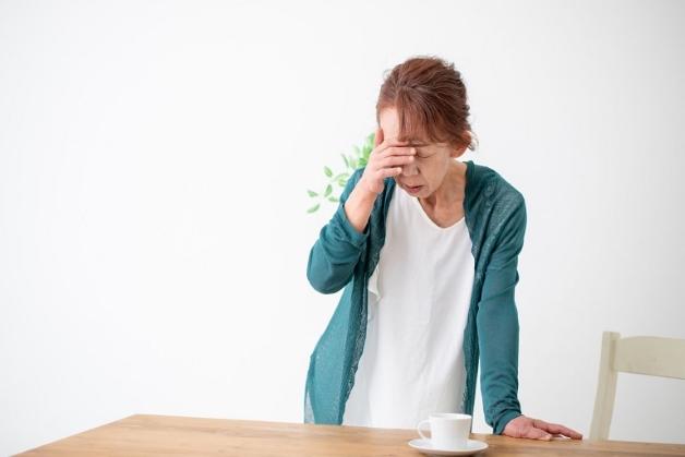 Có rất nhiều nguyên nhân khác nhau gây ra tình trạng đau đầu kèm ù tai
