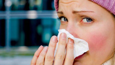 Bệnh viêm mũi dị ứng nhận biết qua triệu chứng nào?