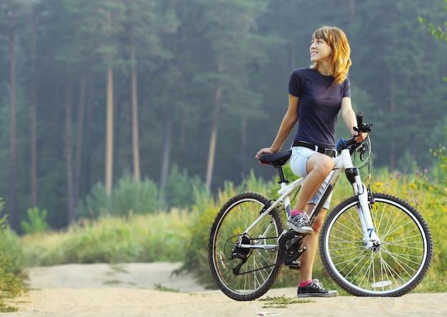 giải đáp đau thần kinh tọa có nên đạp xe