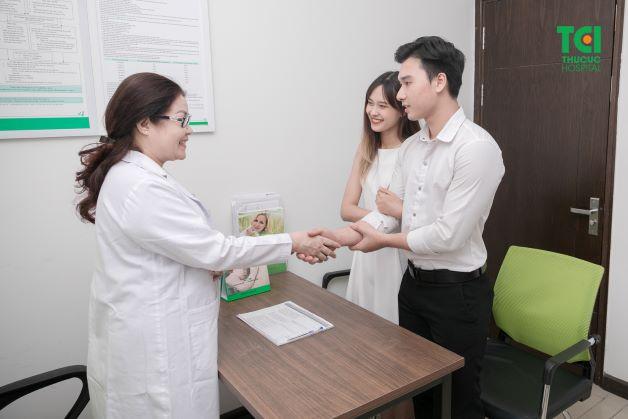 Khi thực hiện chụp X quang, bạn nên lựa chọn những cơ sở y tế uy tín và chất lượng, có thiết bị máy móc hiện đại cùng đội ngũ bác sĩ, chuyên gia giỏi để được tư vấn và bảo vệ sức khỏe sinh sản của mình