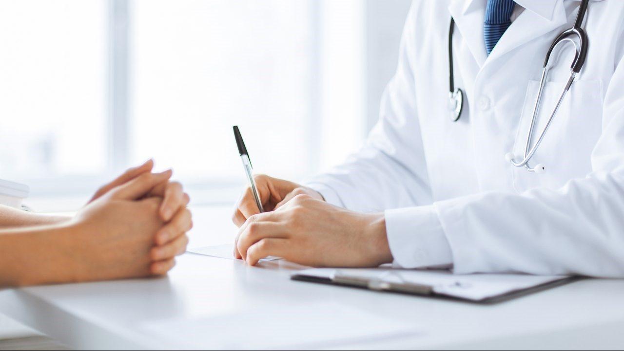 Đi khám phụ khoa gặp bác sĩ nam – Có gì mà phải ngại?