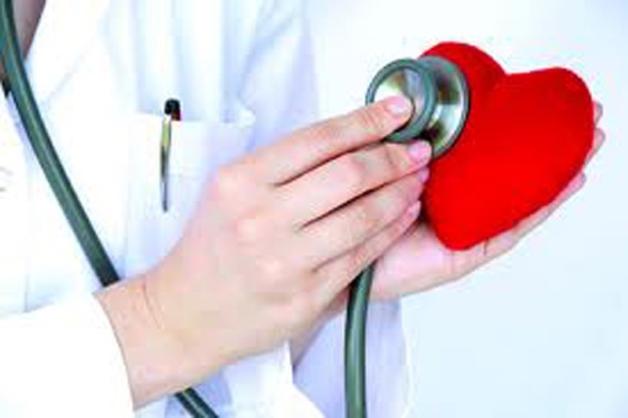 Người có nguy cơ cao bị hở và hẹp van tim cần kiểm tra sức khỏe tim mạch định kỳ