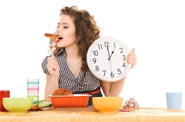 Ăn uống thất thường, thiếu khoa học là một trong những nguyên nhân dẫn đến hội chứng ruột kích thích