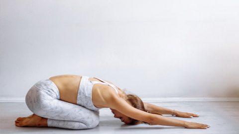 Người bị bệnh đau thần kinh tọa có tập yoga được không?