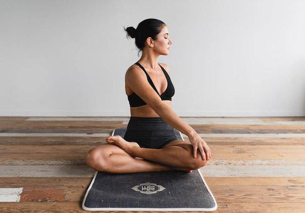 tìm hiểu đau thần kinh tọa có tập yoga được không