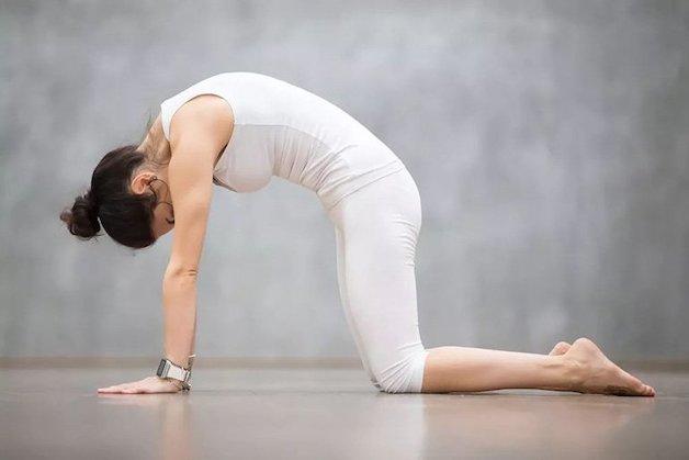 người mắc bệnh đau thần kinh tọa có tập yoga được không