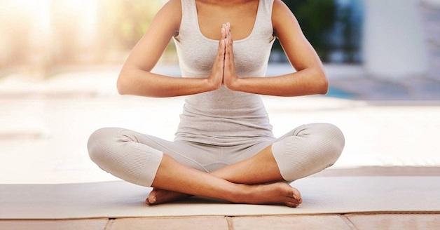 bị đau thần kinh tọa có tập yoga được không